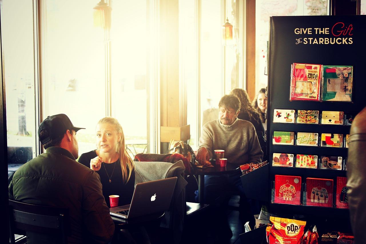 customers-at-starbucks-store